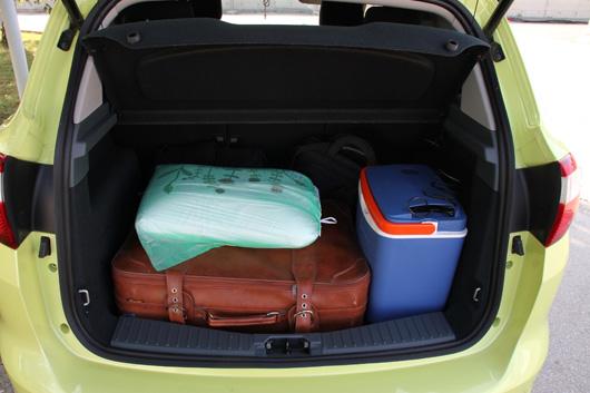 dopustniška prtljaga za en teden za dve osebi