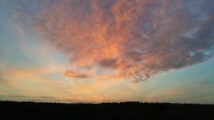 sončni zahod nekje na poti domov