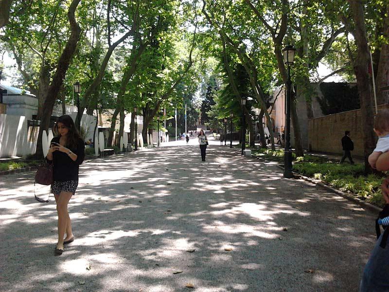 Paviljoni domujejo v parku Giardini.