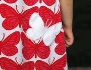 Kako popraviti raztrgano dekliško oblekico?