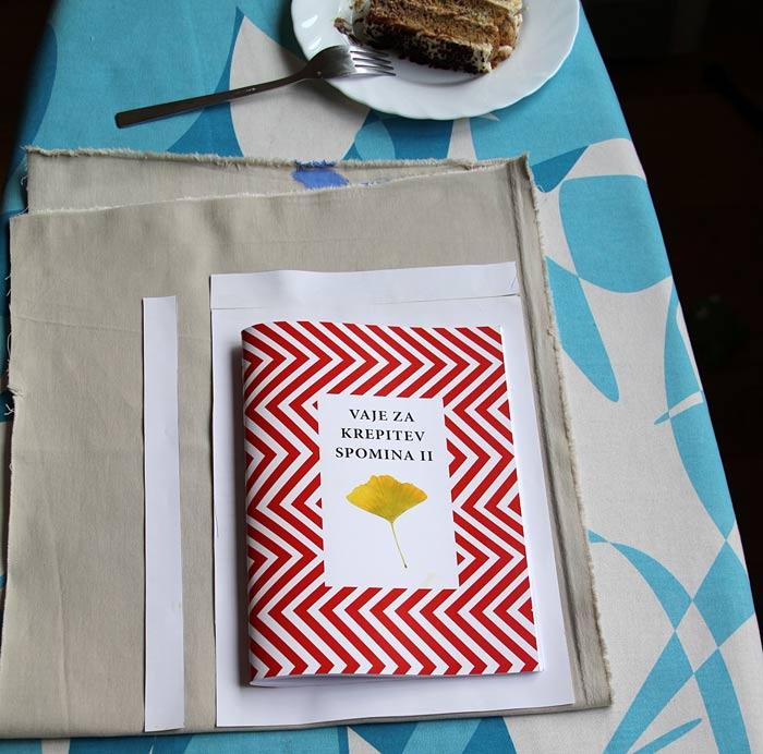 2. Kroj za vrečko in ročaje narišite na papir.
